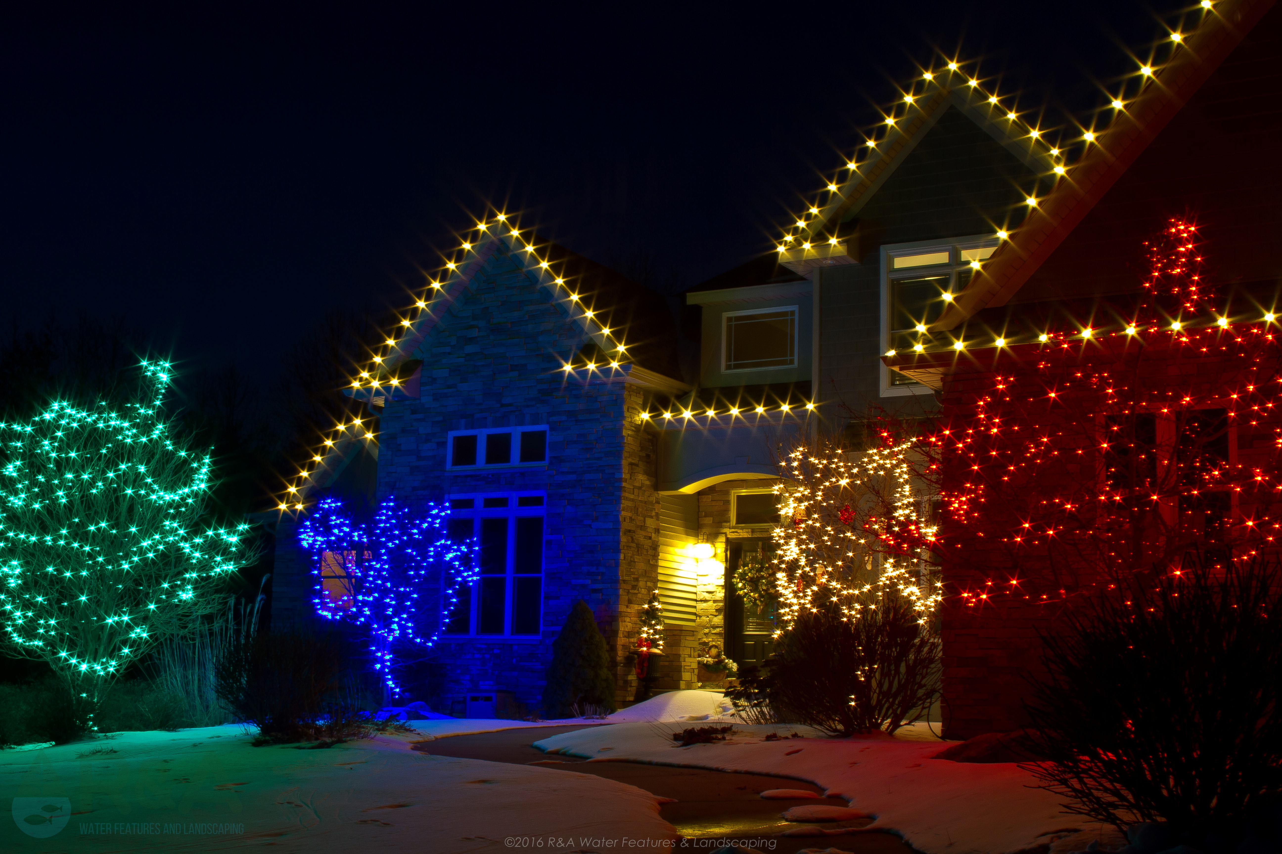 Why We Decorate Our Homes During The Holidays – R&A Landscaping