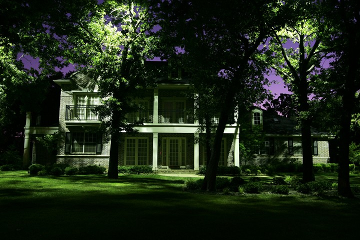 2 really cool landscape lighting ideas for your front yard ra landscape lighting cool ideas mozeypictures Images
