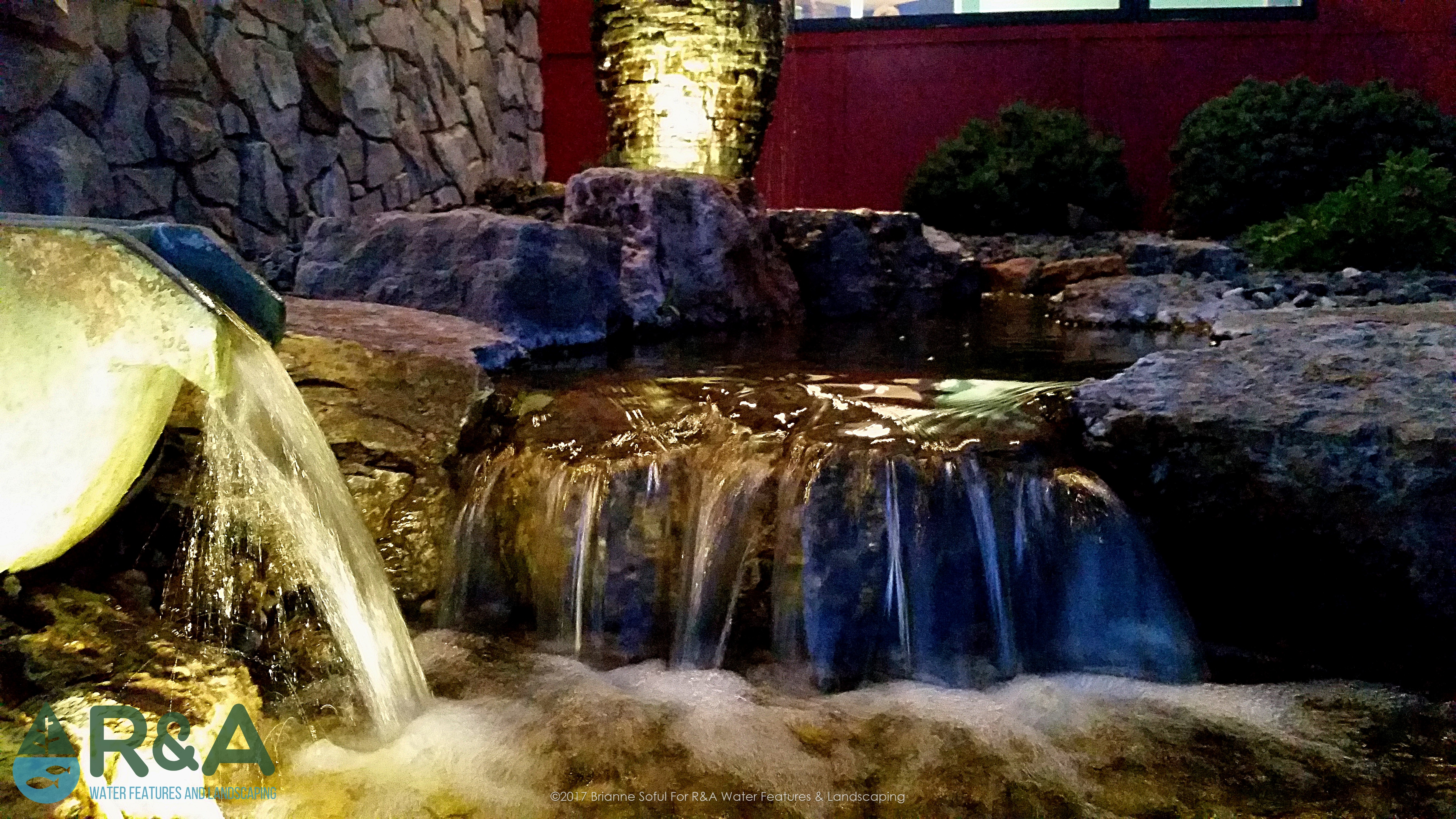 Waterfall for aeration and cleaning