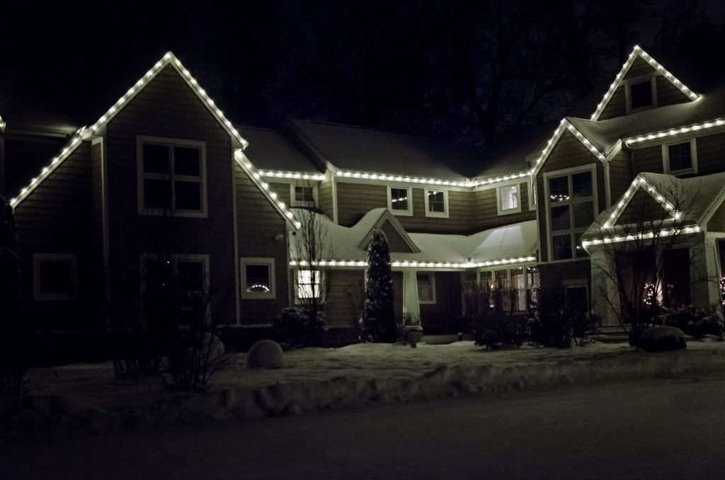 When Should I Put Up Christmas Lights