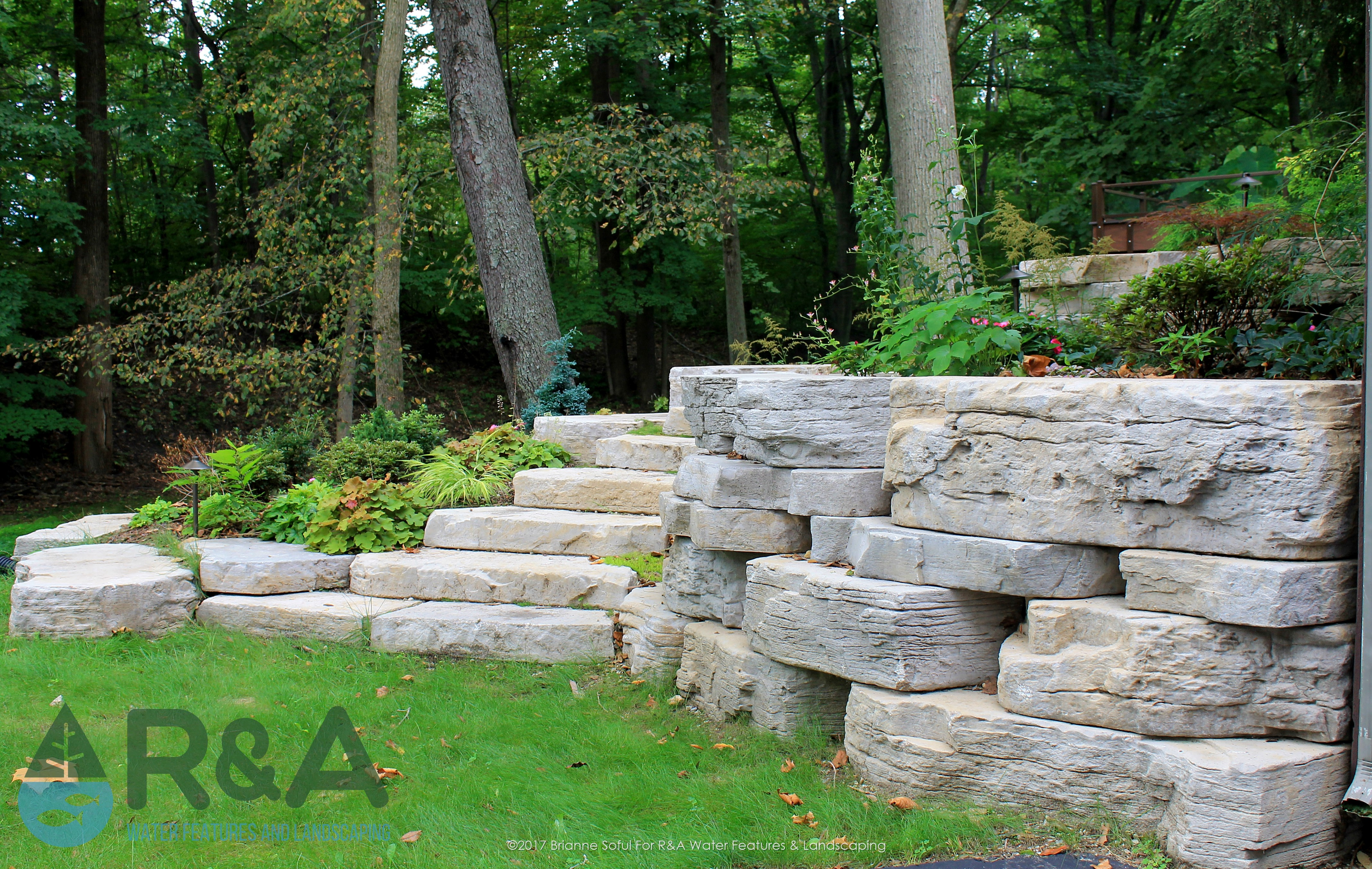 Eau Claire Landscaping Retaining Wall Steps Deck (12)